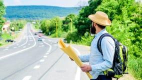 Где должен я пойти Путешествовать направления туристской карты backpacker потерянный вокруг мира Карта позволяет узнает достаточн стоковое изображение rf