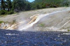 Гейзеры 17 национального парка Йеллоустона Стоковое Изображение RF