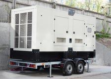 Генератор подпорки природного газа резервной силы с пультом управления Резервный генератор энергии на открытом воздухе стоковая фотография rf