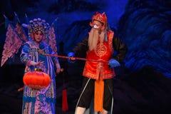 """Генералы женщин Пекина Opera"""" гида фонарика  Yang Family†Стоковое Изображение"""
