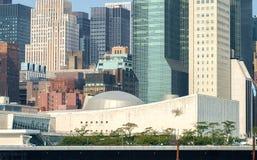 Генеральная Ассамблея штабов Организации Объединенных Наций ООН как увидено от Roo Стоковые Изображения RF