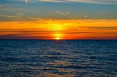 Гениальный восход солнца над водами Lake Huron Стоковые Изображения RF