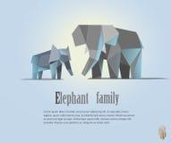 Геометрическая иллюстрация семьи слона в полигональном стиле низкое поли Животный значок треугольника Современный объект Стоковые Изображения RF