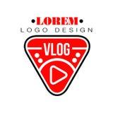 Геометрический логотип вектора для vlog или канал Youtube в форму красной кнопки игры Блог интернета с визуальной информацией Стоковое фото RF