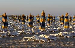 Геометрия зонтика на пляже Стоковые Фотографии RF