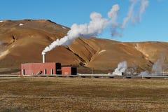 геотермическая электрическая станция стоковое изображение rf