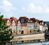 Германия Взгляд Facinating на улице стиля fachwerk в Hunnover Munden стоковые фото