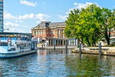 Германия - гавань перед музеем фильма в центре города Потсдама Стоковая Фотография