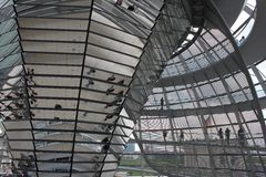 Германский Бундестаг придает куполообразную форму: в Берлине Стоковые Изображения