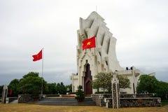 Героикоромантический памятник мучеников на горе Nhan Стоковые Фото