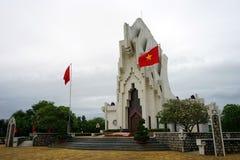 Героикоромантический памятник мучеников на горе Nhan Стоковое фото RF