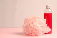Гель ливня и губка ванны Стоковая Фотография