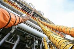 Гибкий турбопровод установленный в газ процесса нефти и газ и азота чистки в сосуд в защищенный случай огня, оффшорная конструкци Стоковое Фото