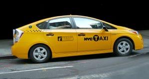 гибридный таксомотор nyc стоковая фотография rf
