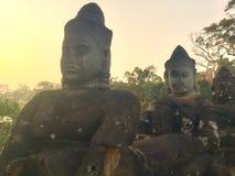 Гигантская каменная сторона Старый боги индусские Камбоджа Стоковые Изображения