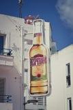Гигантская пивная бутылка отчаянных человеков Стоковое Фото