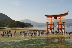 Гигантская святыня на острове Miyajima, Японии Стоковые Фото