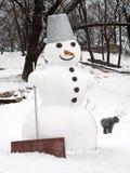 Гигантский ландшафт снеговика иллюстрация вектора