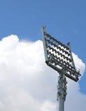 Гигантский маяк башни с светлыми репроекторами Стоковая Фотография