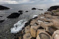 гиганты Ирландия мощёной дорожки северная Стоковое Изображение