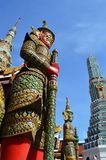Гиганты попечителя, Wat Phra Kaew, Таиланд Стоковые Изображения RF