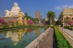 Гигант Будда в виске стоковая фотография