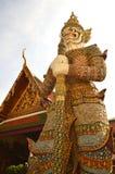 Гигант попечителя, Wat Phra Kaew, Таиланд Стоковое Изображение