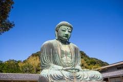 Гигант Daibutsu стоит на виске Kotokuin, положении Камакуре стоковое изображение rf