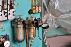Гидротехник смазывают станцию на механическом инструменте на промышленном оборудовании Система смазки с маслом под давлением стоковое фото