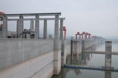 Гидроэлектрическая электростанция Дамба (Три ущелья) на Реке Янцзы в Китае Стоковые Изображения RF