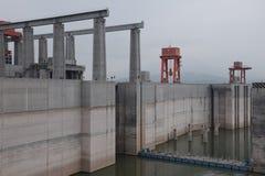 Гидроэлектрическая электростанция Дамба (Три ущелья) на Реке Янцзы в Китае Стоковые Фото