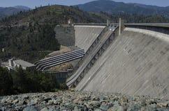 Гидроэлектрические запруда и электростанция, США Стоковые Фото