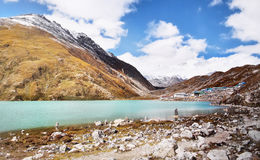 Гималаи, пик Gokyo и озеро Стоковая Фотография