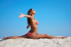 гимнастика пляжа стоковое изображение rf