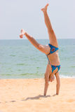 гимнастика пляжа стоковое фото rf