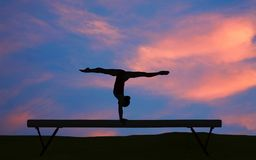 гимнастический силуэт стоковая фотография rf