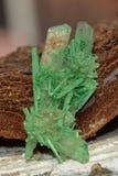 Гипсолит покрашенный зеленым цветом - Кристл Стоковая Фотография RF