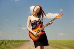 гитара девушки сельской местности Стоковые Фотографии RF