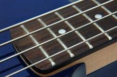 гитара крупного плана 3 басов стоковое изображение