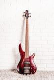 Гитара Rosewood басовая электрическая Стоковые Фотографии RF