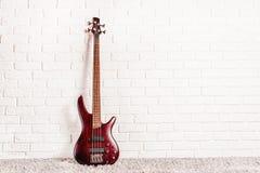 Гитара Rosewood басовая электрическая Стоковые Изображения RF