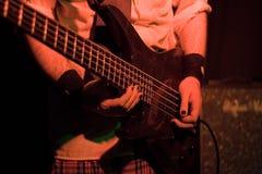 Гитарист (вид спереди) Стоковые Фотографии RF