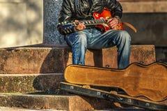 Гитарист играя на улице Стоковая Фотография RF