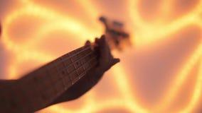 гитары празднества Дубай 2011 полосы выполнять macy джаза басовой серой международный сток-видео