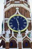 Главная достопримечательность перезвонов- Москвы и Spasskaya возвышаются стоковые фотографии rf