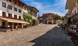 Главная площадь - Gruyeres - Швейцария стоковая фотография rf