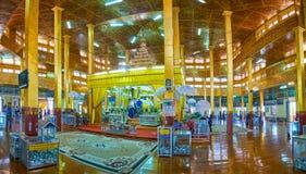 Главная святыня пагоды Hpaung Daw u, озера Inle, Мьянмы стоковые фотографии rf