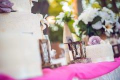 Главная таблица на свадьбе - свадебный пирог Стоковое Изображение RF