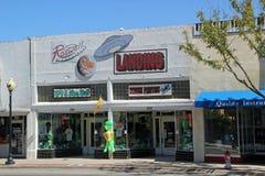 Главная улица в Roswell с сувенирными магазинами чужеземца стоковые фотографии rf