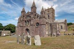 Главный фасад собора Davids Святого, Уэльс стоковое изображение